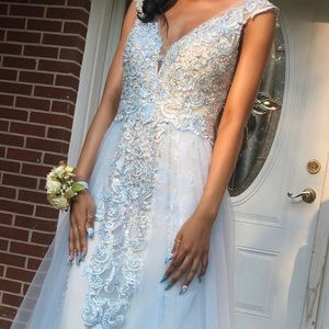 Prom Dress For Sale❄️